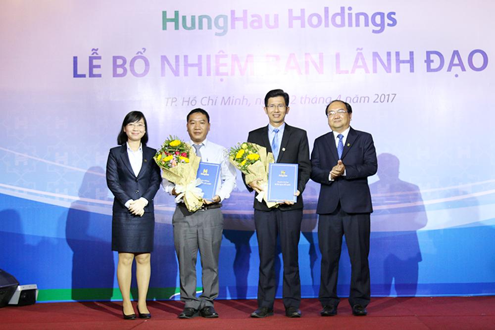 Lãnh đạo Công ty TNHH Quản lý Vốn Hoàn Hảo nhận quyết định bổ nhiệm