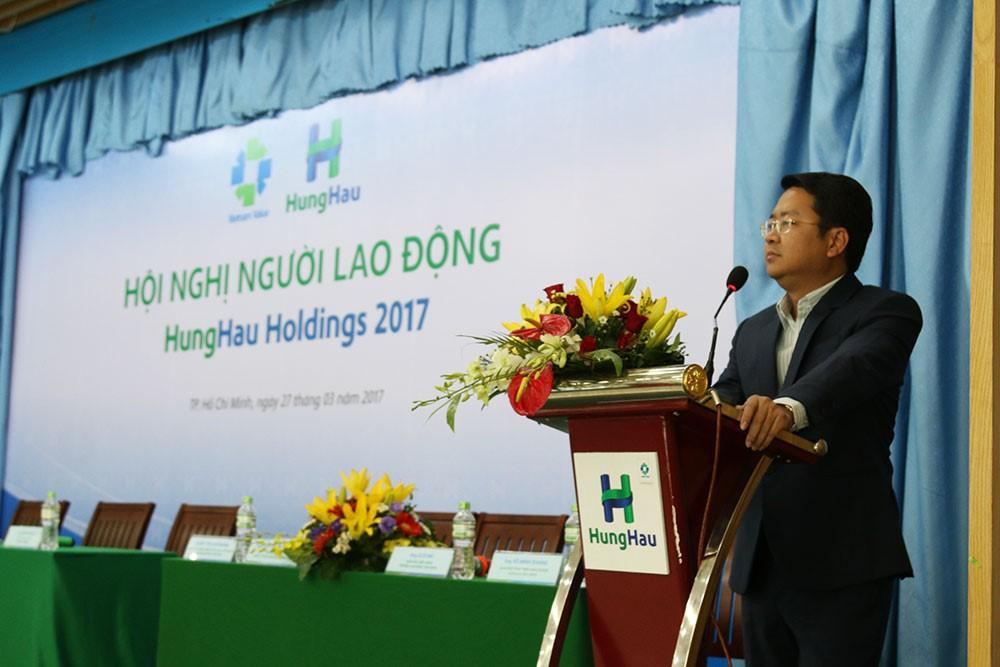 Ông Trần Văn Hậu – Chủ tịch HĐQT kiêm Tổng Giám đốc Công ty CPPT Hùng Hậu phát biểu tại Hội Nghị