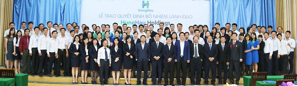 Các Cán bộ lãnh đạo tham dự buổi Lễ chụp ảnh lưu niệm